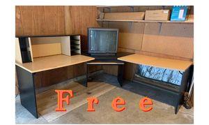 Free desk for Sale in Snoqualmie, WA