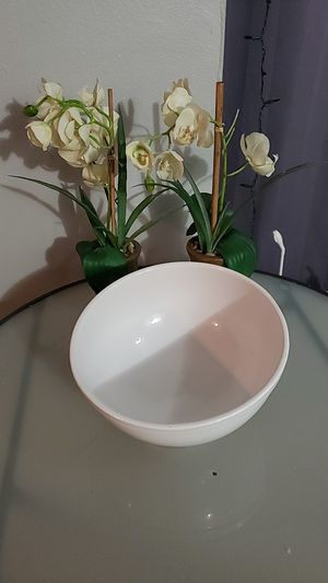 White oval shape bowl for Sale in Houston, TX