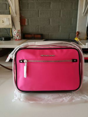 Authentic Michael Kors crossbody purse (new with tags,) for Sale in Lincoln Acres, CA