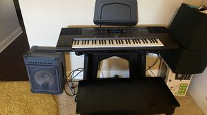 Piano Keyboard with amp for Sale in Fort Worth, TX