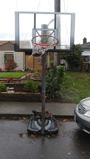 Basketball hoop firm on price $25 for Sale in Tacoma, WA