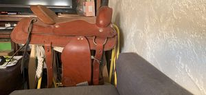 Leather and suede western saddle for Sale in Apache Junction, AZ