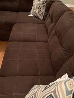 Brown Sectional - Like New for Sale in Lilburn,  GA