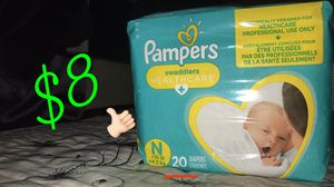 Pampers newborn 👶🏻 for Sale in Los Angeles, CA
