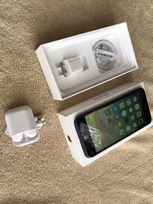 Apple iPhone 7 Plus Unlocked 128 GB for Sale in Los Angeles, CA
