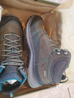 KEEN Women's Size 7.5 Terradora Leather Hiking Boots for Sale in Gilbert, AZ