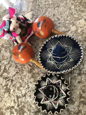 NEW Hand Crafted Mexico Souvenirs Maracas Doll Sombreros for Sale in North Royalton, OH