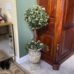 Topiary Silk Plant Mata Artificial for Sale in Miami,  FL