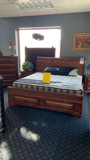 Queen Storage Bed W/ 6 Storage Drawers / King or Cal King $599 for Sale in Vancouver, WA