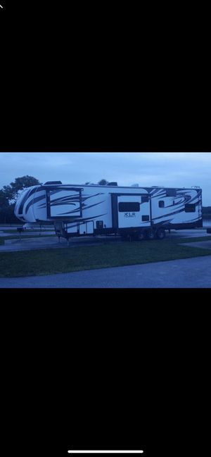 2016 xlr toy hauler 44ft for Sale in Land O Lakes, FL