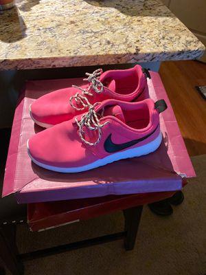 Women's nike shoe size 8 for Sale in Centennial, CO