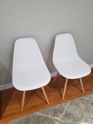 2 white chairs for Sale in Arlington Heights, IL