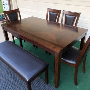 6-PC ELEGANT DINING SET (TABLE, 4 PADDED CHAIRS AND PADDED BENCH) for Sale in Farmers Branch, TX