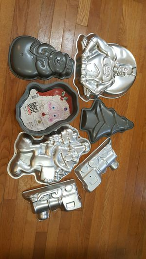cake pans new all for this price for Sale in VA, US