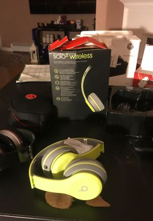 2 only a few days used beats solo 2 wireless headphones with all accessories red one is broken for Sale in Winthrop, MA