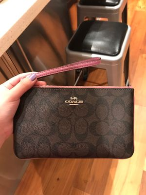 Coach wristlet for Sale in Lake Forest, CA