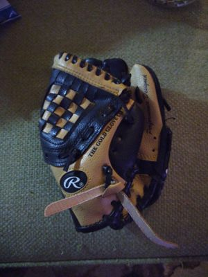 Rawlings 9 inch Youth Baseball Glove for Sale in Orlando, FL