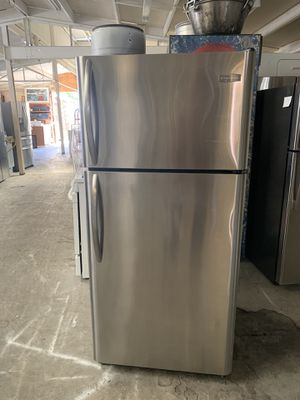 Fridge Frigidaire good condition 90 days warranty refry Frigidaire buenas condiciones 90 dias de garantía for Sale in San Leandro, CA
