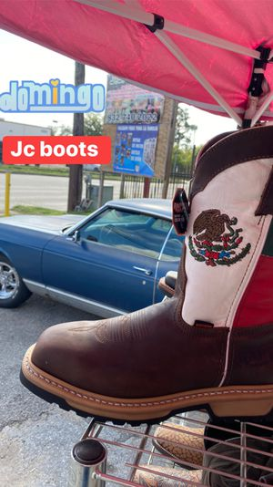 Nice work boots/ for Sale in Houston, TX