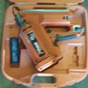Paslode Gas/batterie nail guns for Sale in Jonesboro, AR