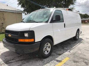 2007 Chevy express cargo van fully equipped for Sale in Saint Petersburg, FL