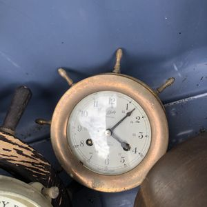 BRASS CLOCK ( NOT WORKING for Sale in Lake Worth, FL