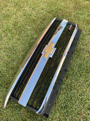 2500 Chevrolet Silverado grille. OEM Z71. for Sale in Miami, FL
