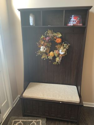 Mud room hutch for Sale in Loganville, GA