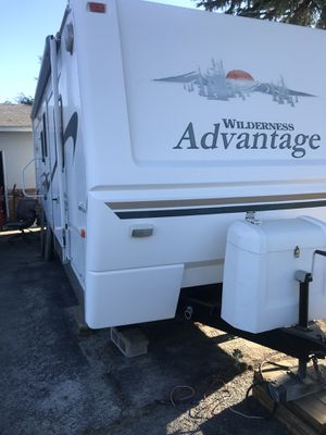Wilderness Advantage camper trailer rv for Sale in Fresno, CA