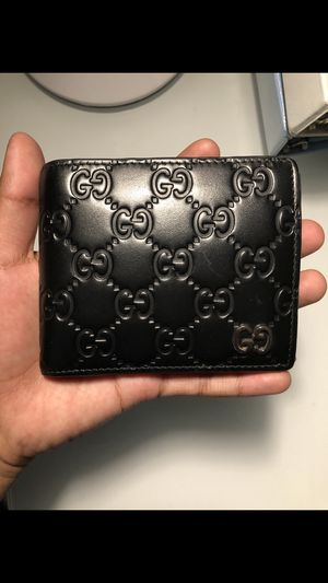 Gucci leather wallet for Sale in San Jose, CA