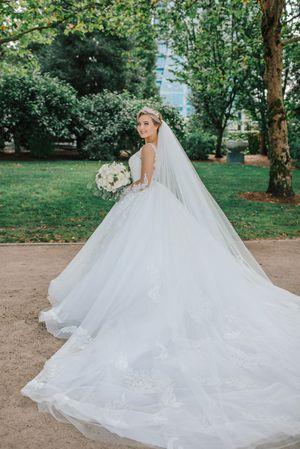 Elegant Pronovia wedding dress for Sale in Kent, WA