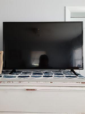 Visio 32 Inch Smart TV for Sale in Cape Coral, FL