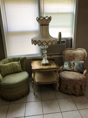 Two antique chairs w/ table and lamp for Sale in Maywood, IL