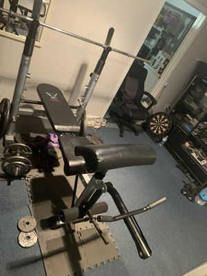 160 lbs of 1 inch weights, 6 foot 1inch bar and bench +rack and preacher curl attachment for Sale in Queens, NY