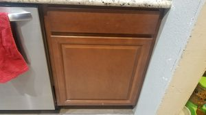 "24"" kitchen base cabinets 24x35 for Sale in Pomona, CA"