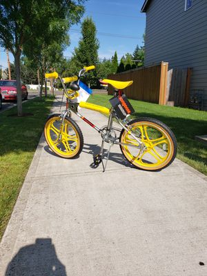 "Mongoose ""Stranger Things"" BMX for Sale in Tualatin, OR"