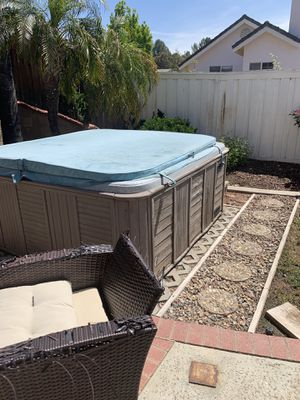 Free Hot tub! U HAUL for Sale in Temecula, CA