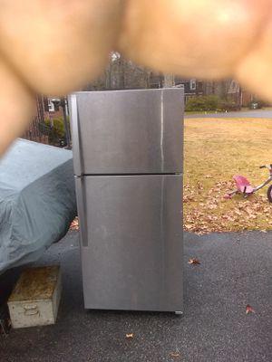 Stainless steel refrigerator works good for Sale in Chesapeake, VA