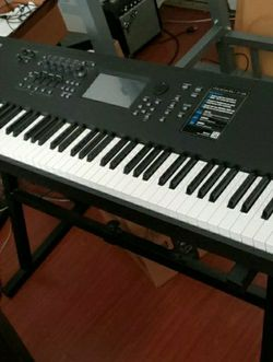 Yamaha MODX 8 Synth for Sale in Ontario,  CA
