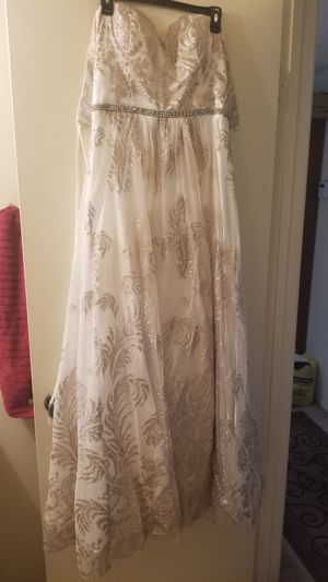 Prom Dress/Gown size 12 for Sale in Murrieta, CA