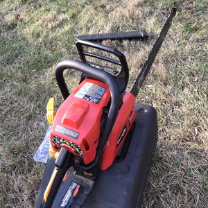 """Homelite 16"""" 42cc Chainsaw Like New Runs Mint! for Sale in Woodbury, CT"""