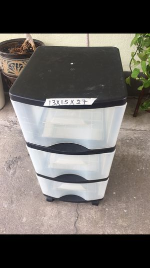 Three drawer plastic storage for Sale in Los Angeles, CA