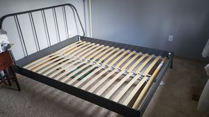Queen size metal bed frame for Sale in Renton, WA