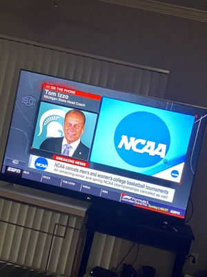 75 inch Smart tv for Sale in Rancho Cucamonga, CA