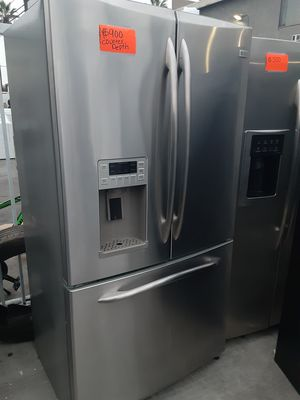 COUNTER DEPTH GE REFRIGERATOR FRENCHDOOR LIKE NEW for Sale in La Habra Heights, CA