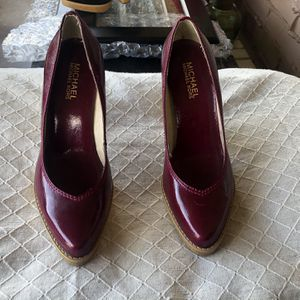 Michael Kors Patent Leather Berry Wood Heels 6.5 for Sale in Paradise Valley, AZ
