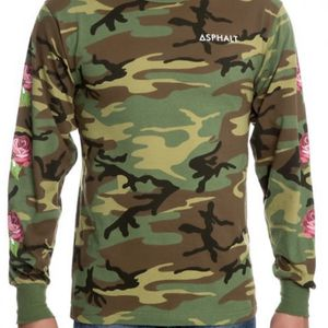 Asphalt Camo Long Sleeve T-Shirt Size: Medium for Sale in Westminster, CA