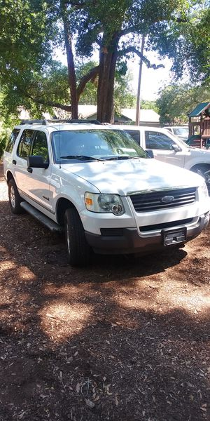 2006 ford explorer xlt/advancetrac for Sale in Longwood, FL