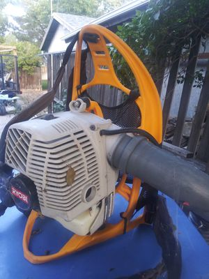 Lawn mower and leaf blower for Sale in Orem, UT