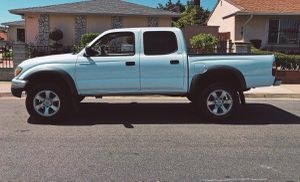 ONE OWNER TOYOTA TACOMA 2003 WELL MAINTAINED for Sale in Baltimore, MD